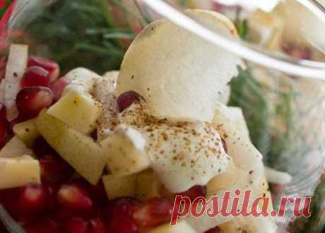 Salad from pears with pomegranate and cheese - Recipes. Culinary recipes of dishes with a photo - recipes of salads, the first and second courses, recipes of pastries, desserts and snack - IVONA - bigmir) net - IVONA