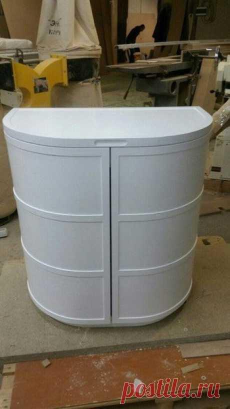 Дамский туалетный столик с кучей ящиков для всяких мелочей 😍