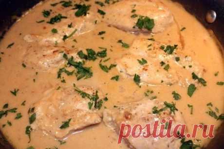 Как приготовить куриные грудки в сливочном соусе - рецепт, ингридиенты и фотографии