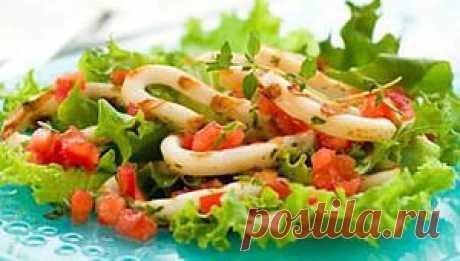 Праздничный салат из кальмаров | www.gurmania.ru