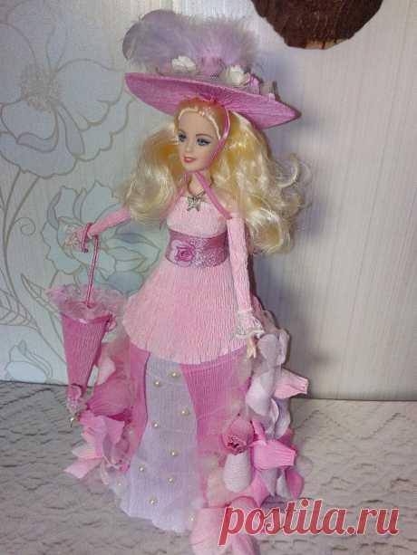Подробный Мастер-Класс по изготовлению куколки из конфет и гофробумаги, с тайничком в подоле платья. ссылка на МК-  https://youtu.be/ptyJ9eXD2kI
