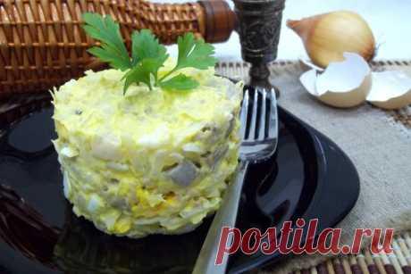 Салат с сельдью, яйцами и луком | CityWomanCafe.com