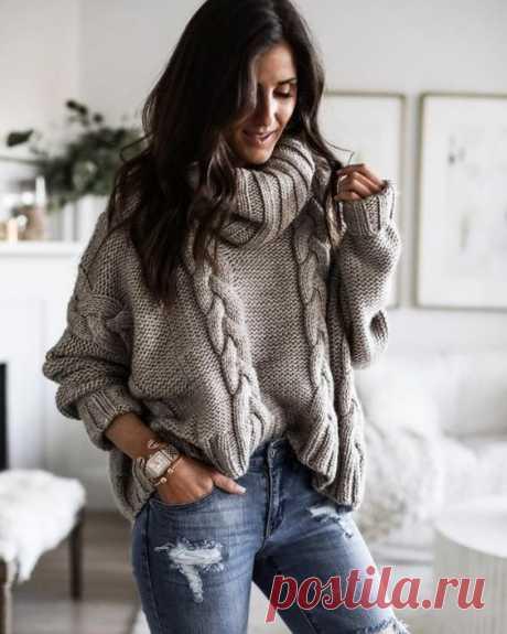 Пуловер с косами изнаночной гладью спицами