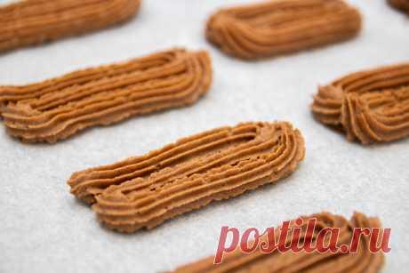 Печенье рассыпчатее всех рассыпчатых печений. Не расплывается при выпечке и не требует охлаждения теста | Евгения Полевская | Это просто | Яндекс Дзен