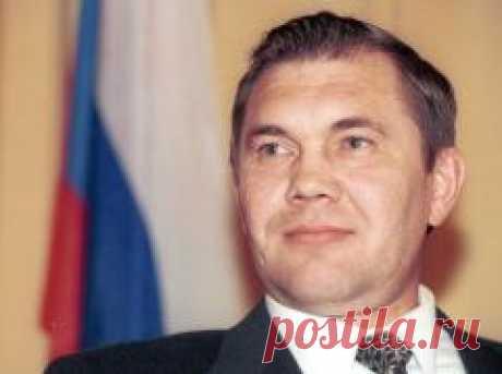 Сегодня 28 апреля в 2002 году умер(ла) Александр Лебедь