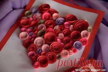 Валентинка из бумажных розочек для создания панно или открытки ручной работы.