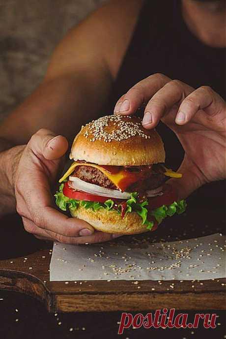 Как приготовить идеальный гамбургер | Готовим вместе