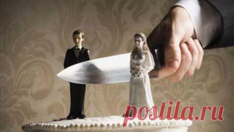 Развод через МФЦ: документы и порядок действий Ни для кого не секрет, что граждане все чаще быстро вступают в брак, а затем также стремительно разводятся. Иногда данный процесс доставляет немало хлопот. Поэтому каждому рекомендуется хорошенько изу...