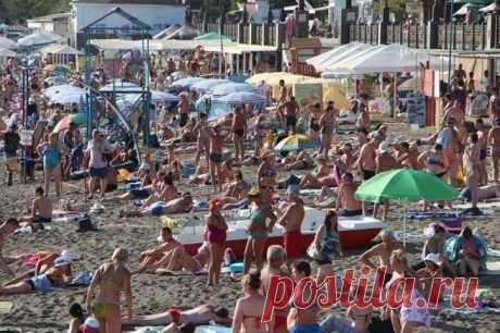 Бабье лето Крыма. Толпы народа в горах и на пляжах, +34C в выходные