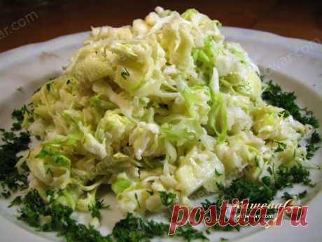 Салат из сельдерея Салат из сельдерея          Мексиканский Салат из сельдерея очень полезен. Не всем нравится вкус и запах сельдерея, но в данном рецепте, при правильном подборе продуктов, салат очень хорошо воспринима…