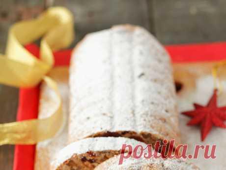 Пять рецептов рождественских кексов из Европы Традиционно католическое Рождество утром 25 декабря. Многие жители Европы и Америки наряжают ели, дети ждут Санту и ищут на утро подарки под праздничным деревом, ну а мамы — пекут традиционные рождественские кексы, пудинги и хлеб. Мы собрали пять самых вкусных европейских рецептов выпечки для праздничного стола.
