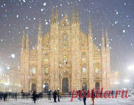 Зимняя сказка, собор Duomo в Милане, Италия.