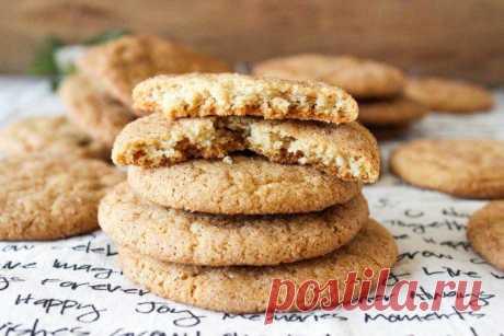 Постное печенье - 20 простых и вкусных рецептов Постное печенье принципиально отличается от обычного. В нем нет яиц, сливочного масла и молочных продуктов. Специально для тебя мы собрали большую подборку рецептов постного печенья на все случаи жизни!