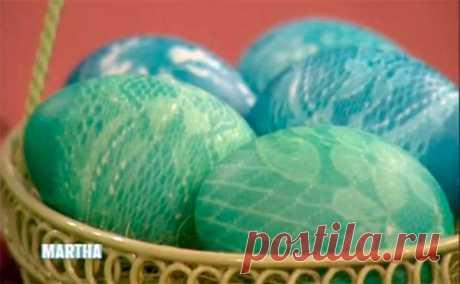 Кружевные пасхальные яйца : 4 варианта декора