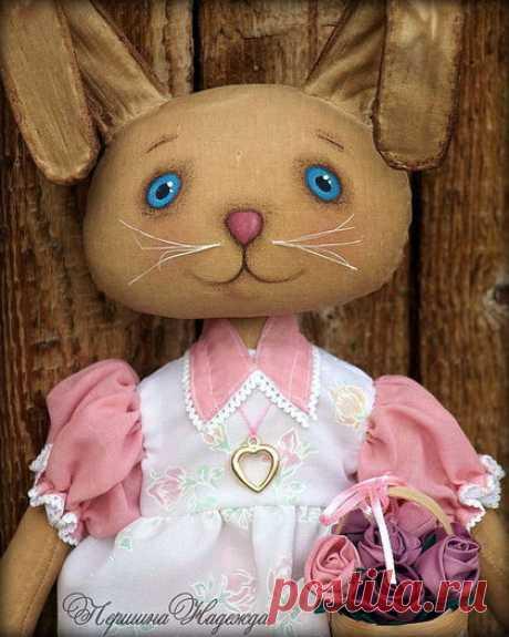 Купить Лизонька с розами - заинька, зайка, ароматизированная игрушка, кофейная игрушка, примитивная кукла, радость
