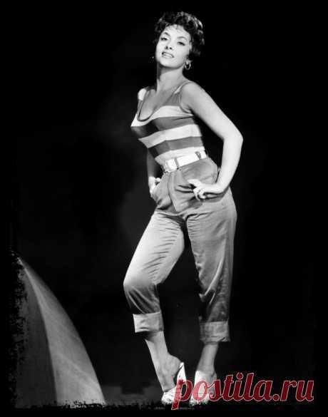 Gina LOLLOBRIGIDA (taille 1 m 58) - Vintage-ACTRESS-fashion