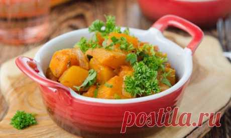 Тыква по-гречески  Вкуснейшее блюдо греческой кухни - тыква с базиликом, оливковым маслом и чесноком.Продукты (на 2 порции)Тыква - 400 гЧеснок - 1 зубчикТоматная паста - 1 ч. л.Базилик сушеный - 1 ч. л.Масло оливковое …