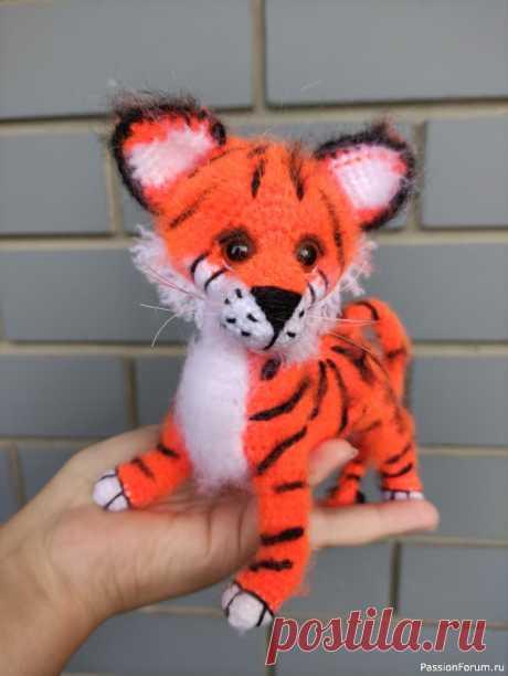 Продам игрушку ручной работы тигр