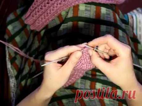 Носки с уплотненной стопой Носки с уплотненной стопой на пяти спицах вязанные по кругу. Схема в конце видио