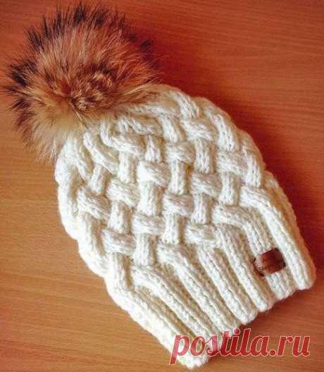 Зимняя шапочка спицами с объемным узором Плетенка | ВЯЗАНИЕ ШАПОК: женские шапки спицами и крючком, мужские и детские