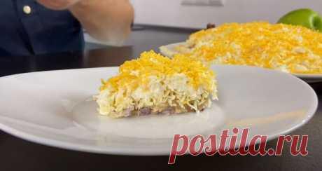 Салат Посольский Рецепт с Горбушей за (10) Минут Салат Посольский рецепт слоями, он получается очень вкусным, воздушным и аппетитным. Салат готовится быстро и просто за 10 минут.