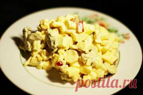 Салат из сыра, яиц и маринованных грибов с яблочком - рецепт с фото пошагово