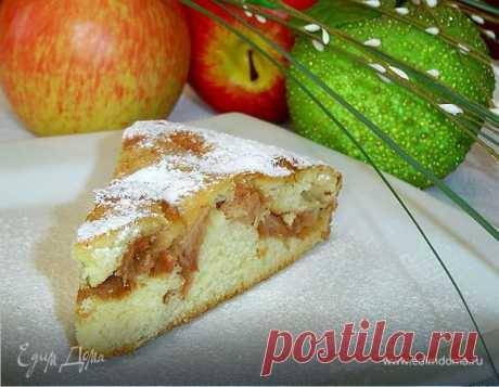 Быстрый пирог с яблоками на кефире. Ингредиенты: яйца куриные, кефир, сливочное масло
