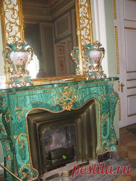 Malachite fireplace, St. Petersburg, Russia. Malachite is a … \u000d\u000aDe nohobot   Pinterest • el catálogo Mundial de las ideas