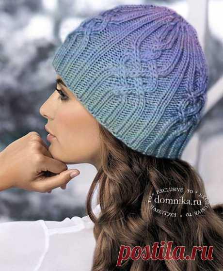 Модные модели шапок спицами I женские шапки с косами и аранами