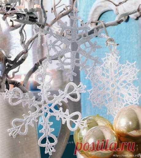 Ажурные снежинки крючком для украшения дома