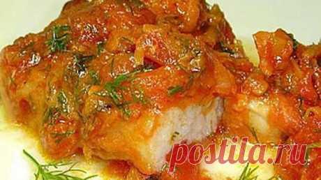 Рыба в томатном соусе с морковью (легко и быстро)