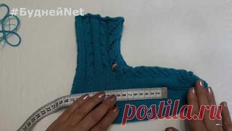 Красивые носки с ажурным узором на 5 спицах Вязание спицами