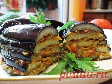 Баклажаны по-турецки Советую взять на заметку баклажаны по-турецки. Вкусно и просто! Ингредиенты: баклажан — 2 шт. помидор — 3 шт. морковь — 2-3 шт. лук репчатый — 2 шт. масло