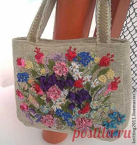 """Сумочка """"Праздник в подарок"""" - сумка,сумка ручной работы,вышивка,Вышивка лентами"""