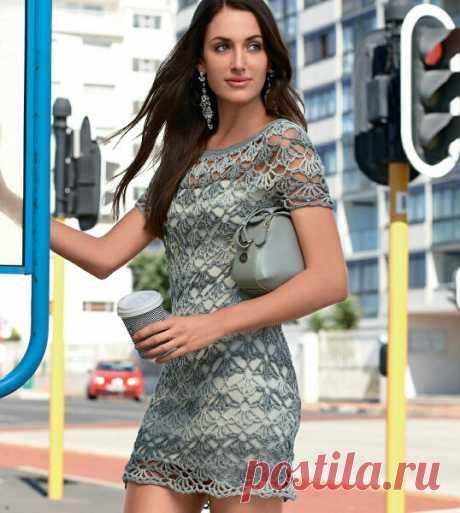 Кружевное мини-платье с коротким рукавом