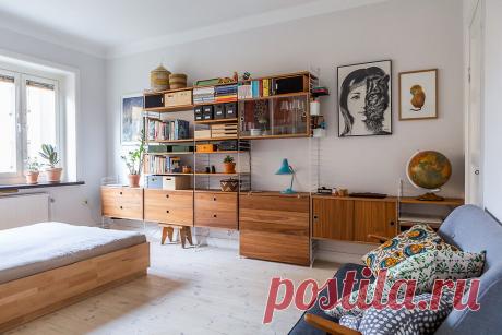 Светлая однушка с красивой стенкой в гостиной и очень узкой кухней | Твоя квартира | Яндекс Дзен