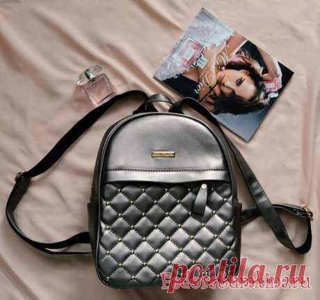 Модный рюкзак цвета металлик