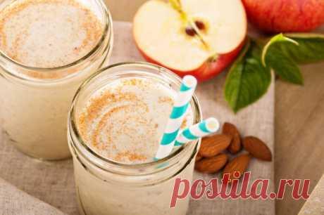 Напиток из яблока и миндаля
