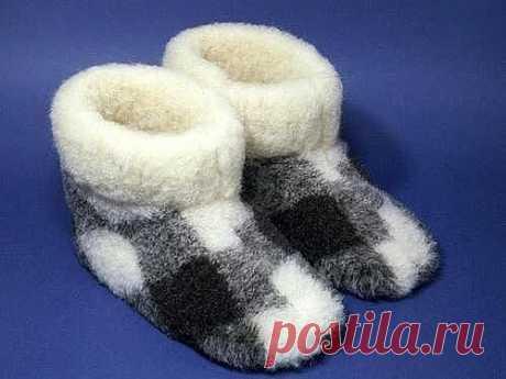 Шьем домашние сапожки из ненужных теплых вещей  #прошитье #сапожки