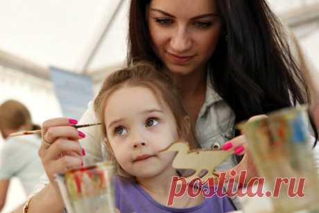 Творчество с мамой. Чем занять ребенка дома, если на улице плохая погода | Счастливое детство | Яндекс Дзен