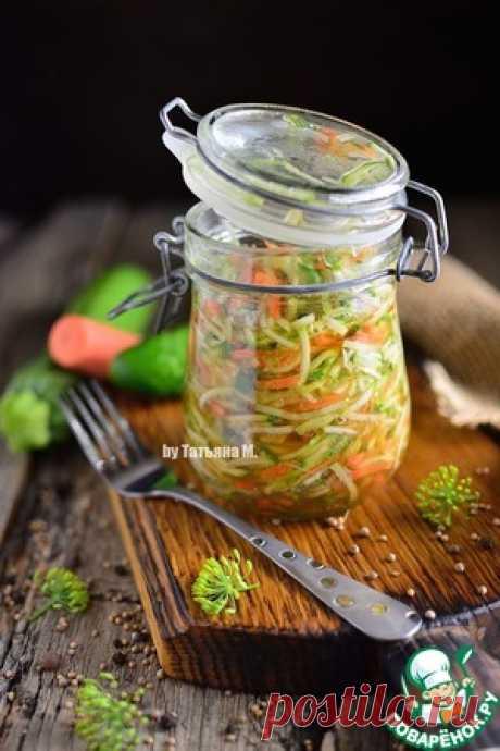 Маринованный салат из молодого кабачка – кулинарный рецепт