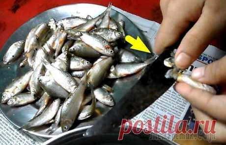 Как избавиться от неприятных запахов на руках: 10 способов, подсмотренных у шеф-поваров Нежнейший рыбный стейк, соленая селёдочка или домашний соус из чеснока – от одной только мысли об этих вкусностях слюноотделение выходит из-под контроля. У всех этих блюд есть единственный недостаток:...