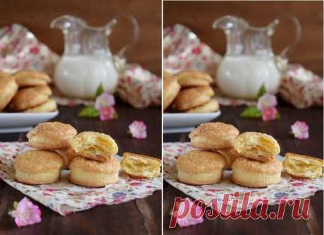 Astounding cookies which melt in the mouth and from a plate!