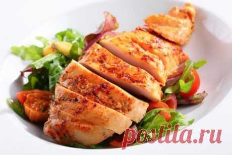 В чём мариновать куриную грудку, чтобы она была сочной и мягкой: 5 рецептов