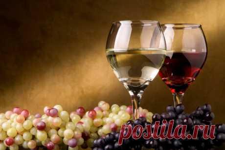 Японские ученые: бокальчик красного вина убережет от слабоумия, а пиво и сакэ - деньги на ветер Пожилые люди, постоянно употребляющие в умеренных дозах вино, отличаются от своих непьющих ровесников более развитыми способностями, утверждают японские ученые из университета Осаки, сообщает газета Asahi.