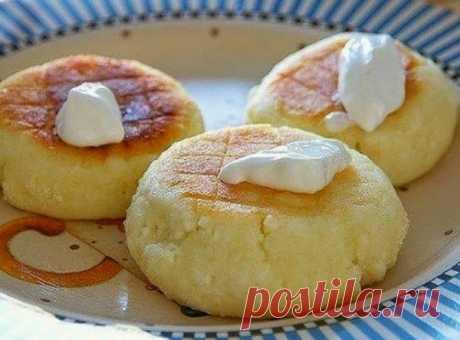 ¡Preparamos para el desayuno los pasteles de requesón aéreos, como a la mamá!
