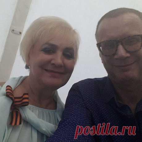 С любимым диктором))))