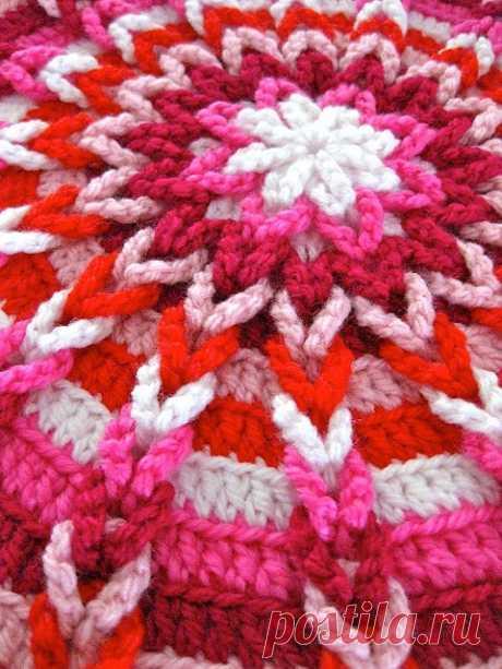 """Round napkin with \""""braids\"""" — Needlework"""
