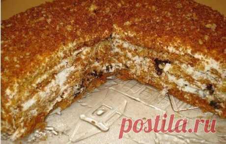 """""""Особенный"""" - медовый торт (очень вкусный)."""