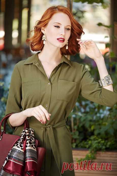 Атласный шарфик, серьги «Вензель», браслет «Сафари», платье-рубашка хаки, губная помада и лак для ногтей – все Faberlic.